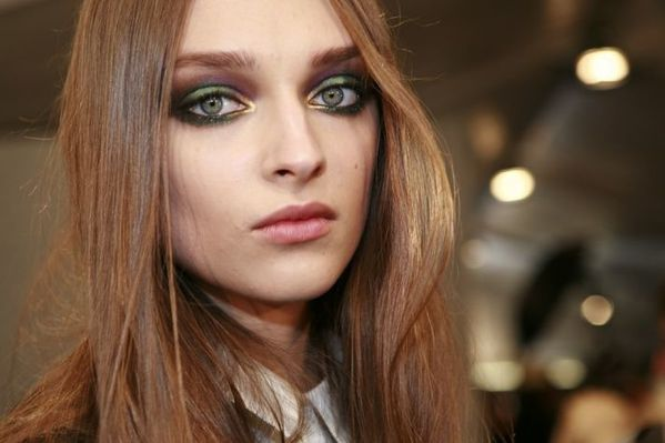 2012-bridal-beauty-trends-peacock-eyes-bold-bridal-makeup__.jpg