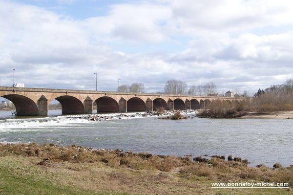 Nevers Pont sur la Loire
