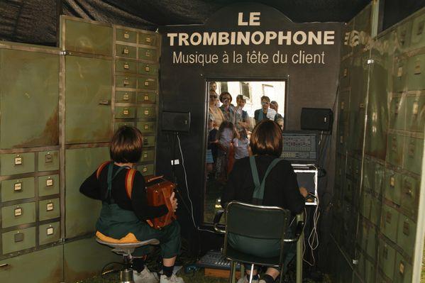 -Le-Trombinophone--de-la-compagnie--Les-2-Ailes--C.jpg