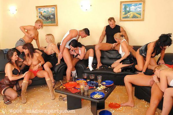 hot busty nude teens