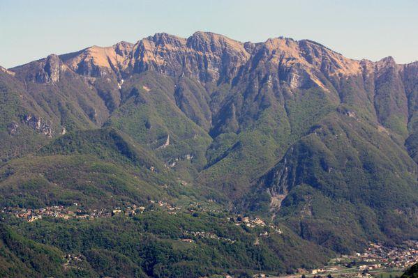 2011.04.10-Parco-San-Grato-Alpe-Vicania 9531