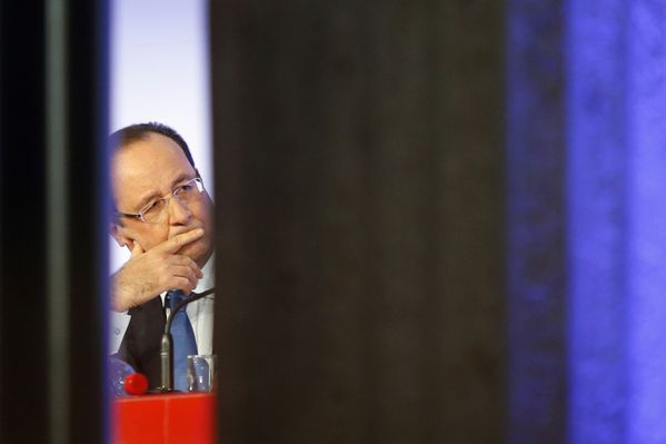 sem13octh-Z11-Francois-Hollande-sort-de-son-silence.jpg