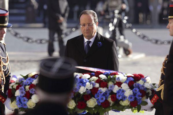 sem13nove-Z9-Le-President-hue-en-pleine-commemoration-11-no.jpg