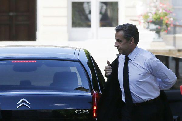 sem14jula-Z18-Nicolas-Sarkozy-place-en-garde-a-vue.jpg