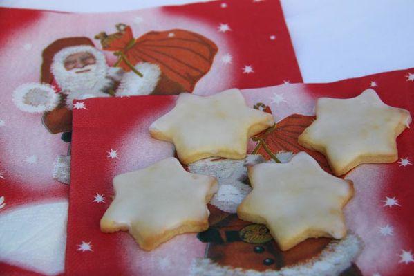 12-Decembre-2013-7585-Etoiles-au-citron-Bredeles-Petits-ga.JPG