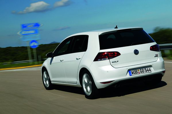 Volkswagen-Golf-7-15-copie-1.jpg