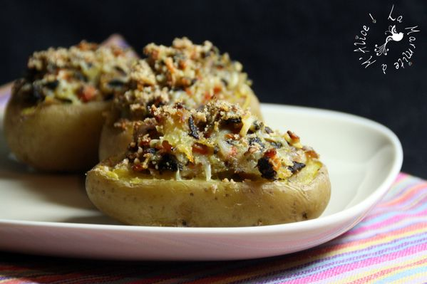 pommes-de-terre-farcies-champignons-carottes-lard.jpg