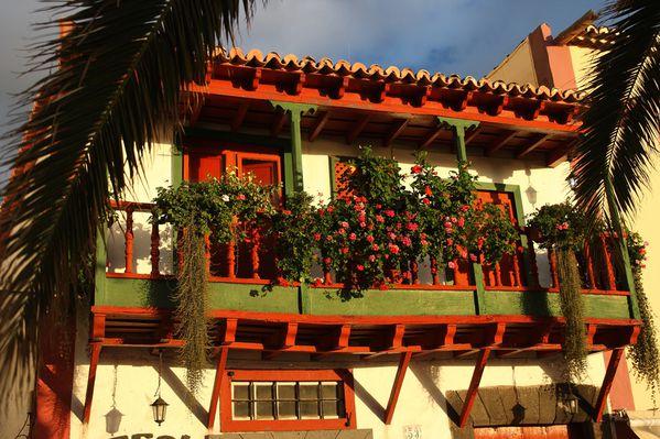 54 los balcones tipicos-av maritima