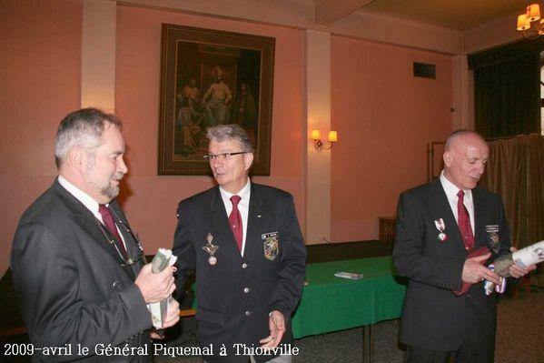 2009-avril-le-General-Piquemal-a-Thionville--5-.jpg