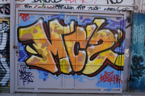 2512 friche 93100 Montreuil
