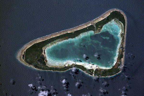 800px-Marakei_Atoll---Kiribati-isl.-Nasa.jpg