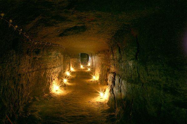 souterrain-ds.-tuf-Clermont-ferrand--L.Falchero.jpg