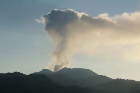 August-12--2013--Mount-Rokatenda-volcano-emits-a-column-of-.jpg