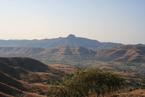 Deccan trapps -Kille Rajgad from Pabe Ghat - Pune - Kppethe