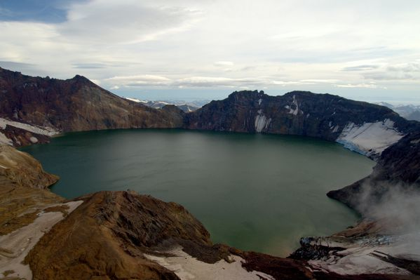 Katmai-crater-lake---Cyrus-Read-AVO.jpg