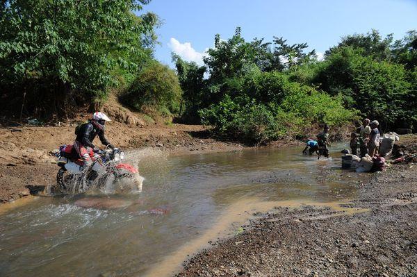 LAOS-2011 3563 [800x600]