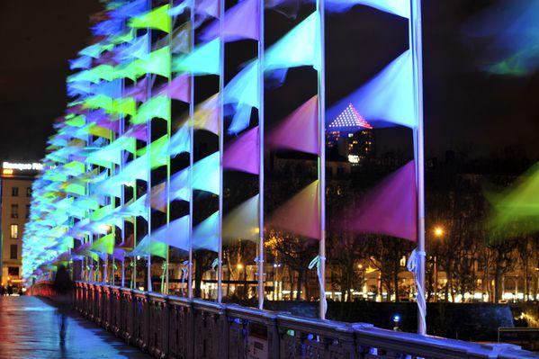 121206 175348 oriflammes s lefevre pont lafayette fdl 2012