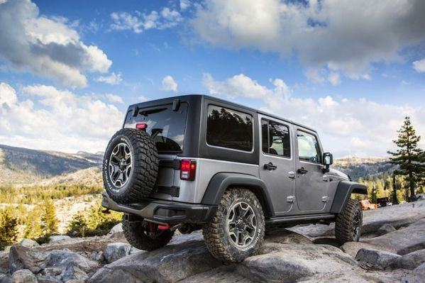 jeep-wrangler-rubicon-10th-anniversary-edition-2013-10-673x.jpg