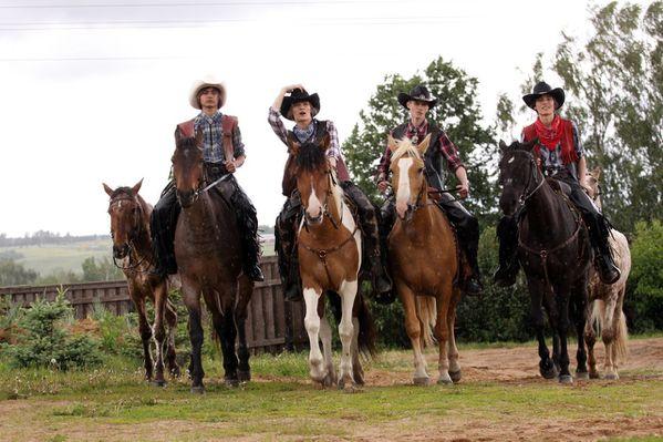 Heroes-cowboys 11