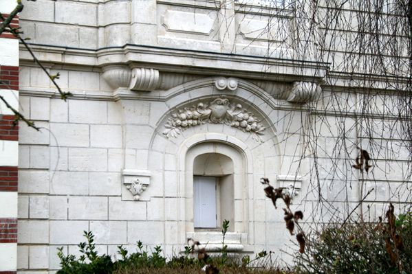 DETAIL FACADE VILLA ROSA