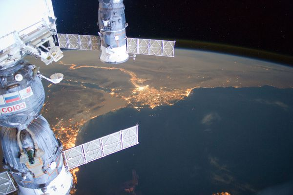 ISS---Egypte---Nil---Le-Caire-Nuit---ISS031-E-095276.jpg