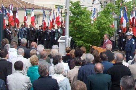la-stele-commemorative-du-cessez-le-feu-du-19-mars-1962-a_4.jpg