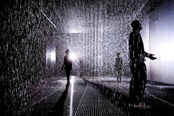 Random-International-Rain-Room-Barbican-01.jpg