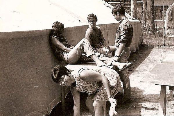La tente hâtive où se regroupaient les jeunes de 1967 à