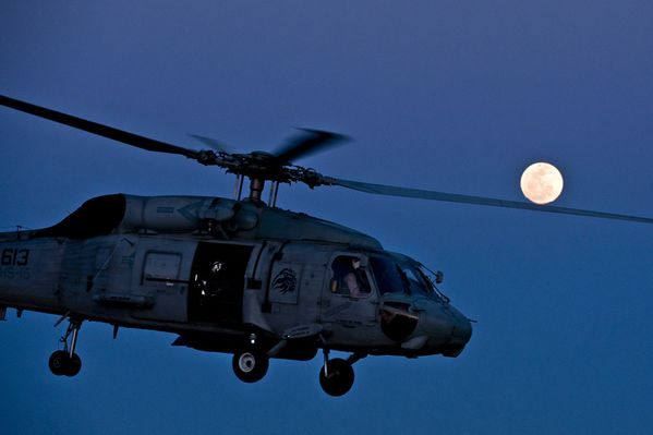 SH-60F-Sea-Hawk-02-2012-photo-US-Navy.jpg