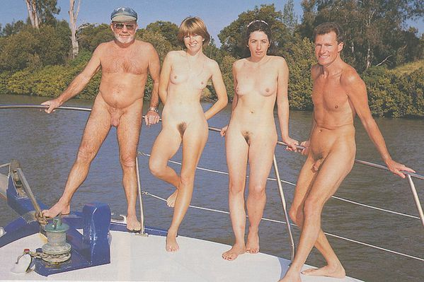 NUDISM_FAMILY_GALLERY.jpg