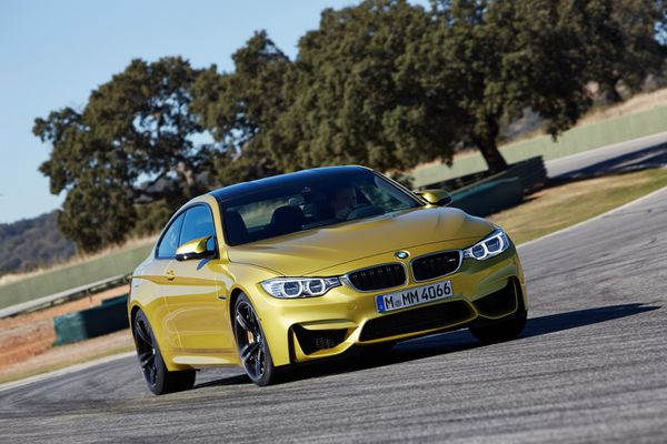 BMW-M4-coupe-2014-06