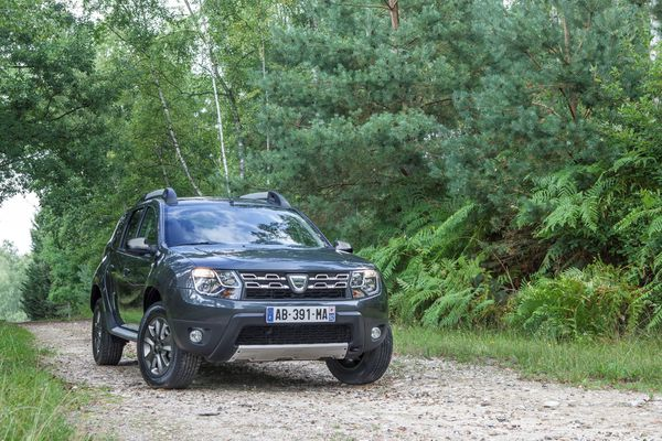 Dacia-Duster-restylage-2014 01