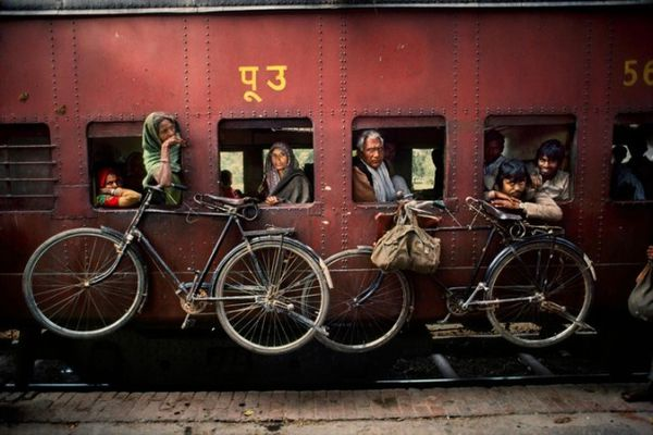 Trains-Steve-McCurry16-640x427.jpg