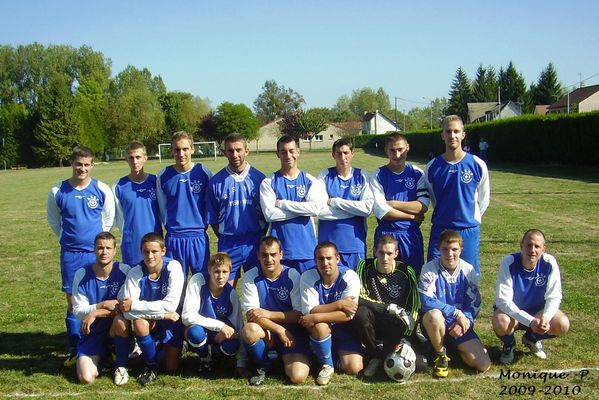 photo-equipe-foot-2009.JPG