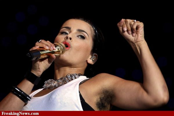 Nelly-Furtado-Hairy-Armpit--80365