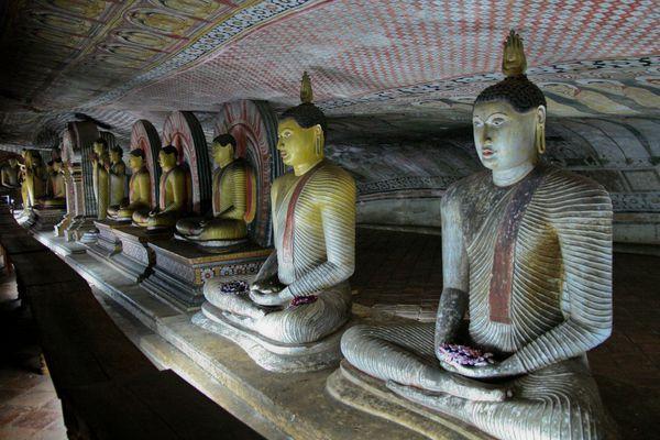 Sri Lanka J04 1 GoldenTemple07