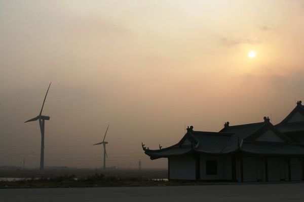 Chinoiseries---eoliennes-a-Rudong.jpg