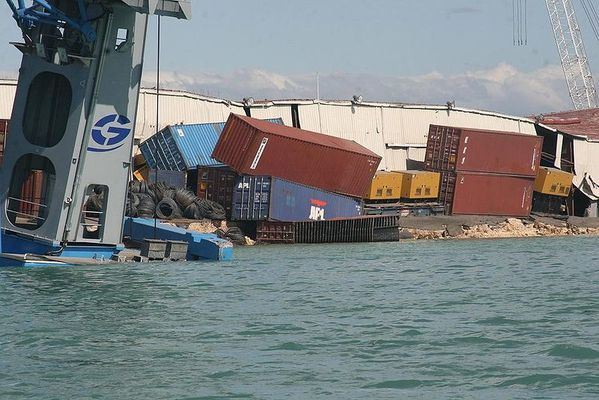 800px-Haitian_Port_Damage1.jpg