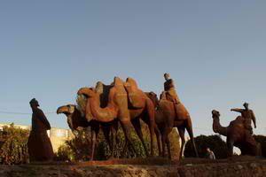 ouzbekistan-samarcande-monument-aux-caravanes-de-la-route-d.jpg