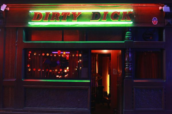 Dirty dick pigalle tiki bar rue frochot (2)