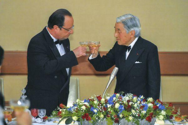 sem13juid-Z18-japon-empereur-et-le-president-hollande.jpg