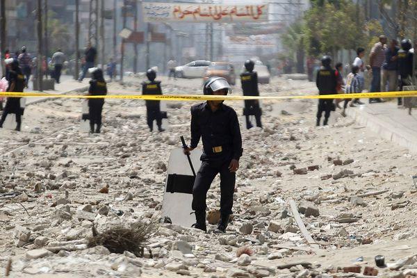 sem13sepc-Z10-Au-milieu-des-debris-Le-Caire-Egypte.jpg