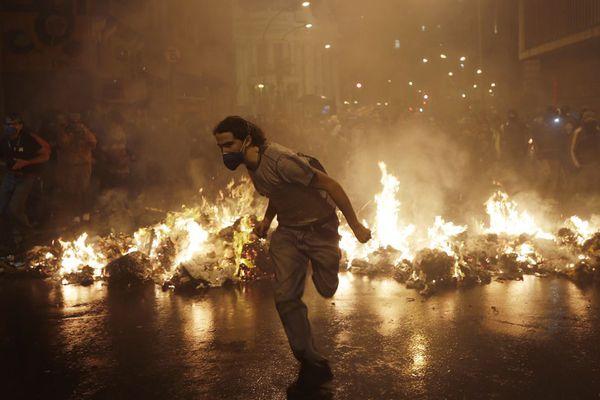 sem13octc-Z27-Rio-de-janeiro-se-revolte-contre-reforme-educ.jpg