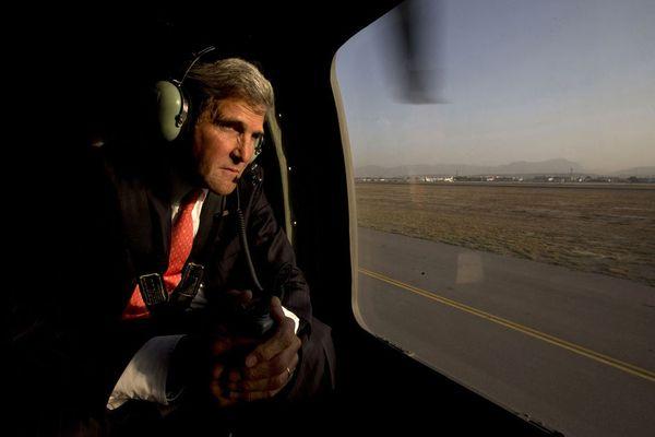 sem13octe-Z2-Visite-surprise-John-Kerry-Kaboul-Afghanistan.jpg