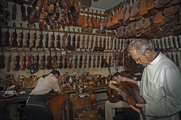 sem13octj-Z14-Bernard-Sabatier-luthier-savoir-faire-francai.jpg