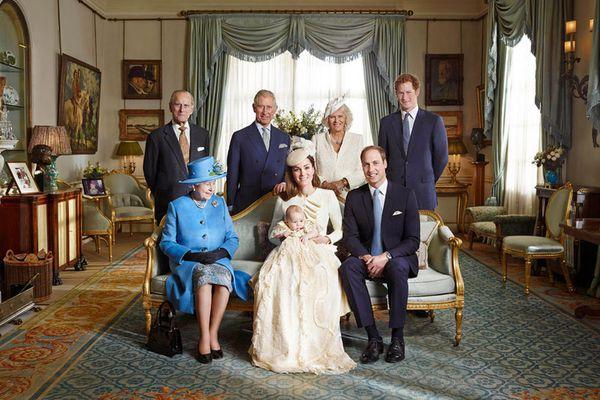 sem13octj-Z3-La-famille-royale-bapteme-prince-George.jpg