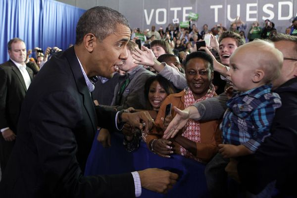 sem13novb-Z4-Regards-croises-Barack-Obama-enfant.jpg