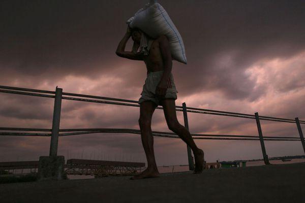 sem13novf-Z1-Le-poids-du-travail-Birmanie.jpg
