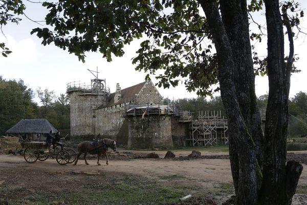 sem13novf-Z14-chateau-guedelon-reconstruit-comme-au-moyen-a.jpg