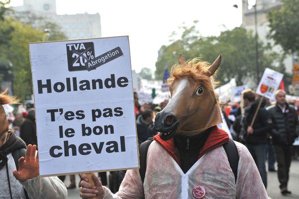 sem13novk-Z3-Haras-le-bol-defile-cavaliers-Paris-contre-TV.jpg